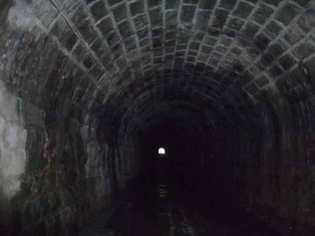 必ず幽霊に会うトンネル