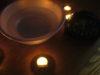 結婚相手が映る洗面器